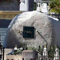 EXclusivo para este blog//// LA ROCA DE FIDEL, DE CARA AL SOL