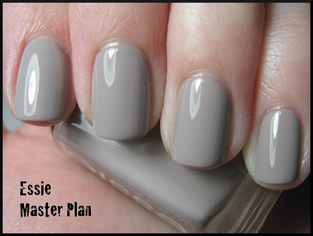 yolanda u0026 39 s makeup and skincare blog sale  nail polish  essie and opi for low prices