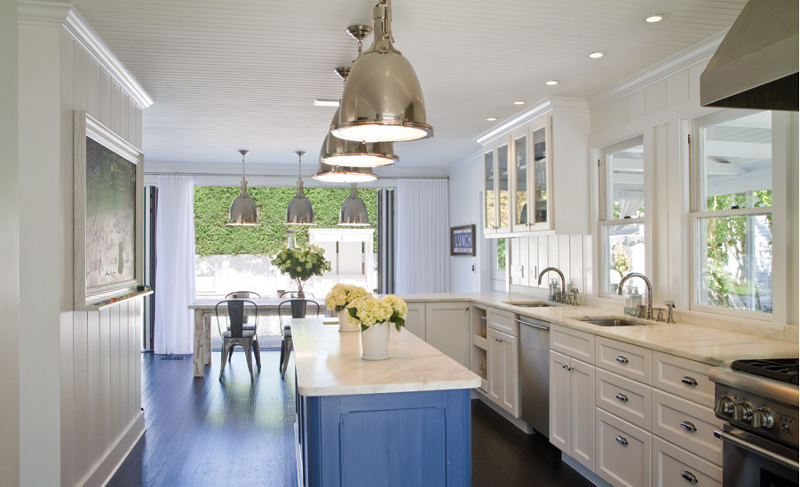 Coastal style east hampton showcase for Hamptons beach house interiors