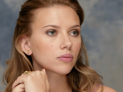 Scarlett Johansson HD cute babe Wallpaper