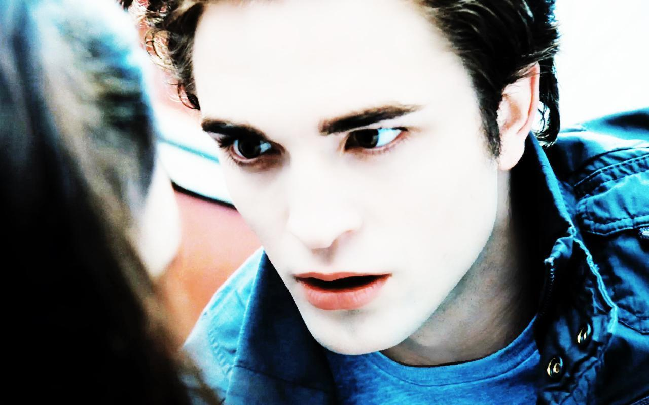 http://1.bp.blogspot.com/-qt_mR5vWEvc/UK0G1zqFKrI/AAAAAAAAiPE/6lCA7vX2AcY/s1600/robert-pattinson-as-edward-cullen-twilight.jpg