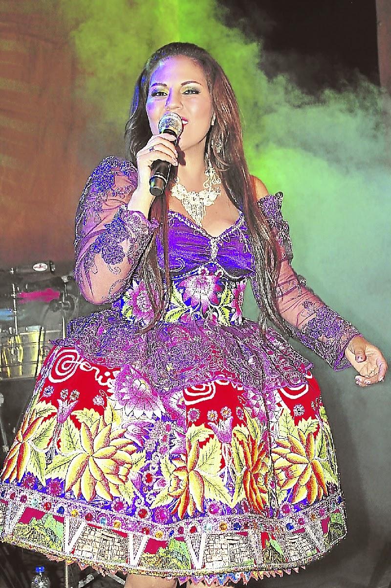 El traje de las FOLK STARS-PERU | FOLK BAGS