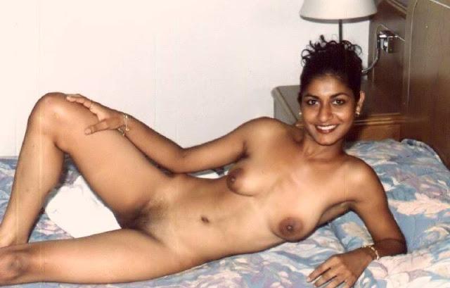 desi bhabhi and aunty k mast milky boobs   nudesibhabhi.com