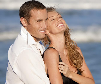 Make Your Girlfriend Happy Through This Advice - healthy relationship - happy couple