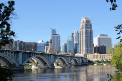 the stone arch bridge in Minneapolis Minnesota