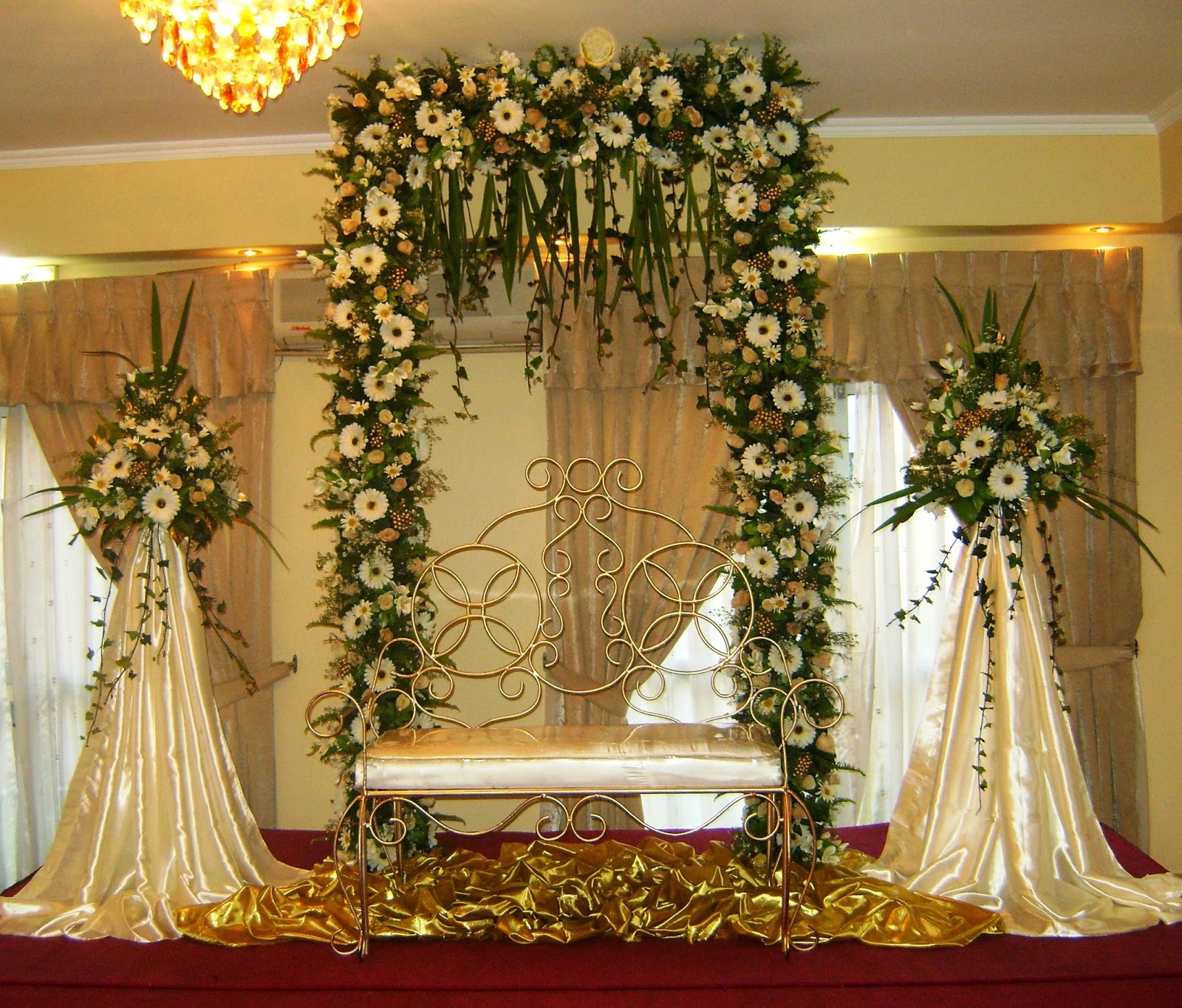 Vismaya wedding settee backs for Floral decorations for home
