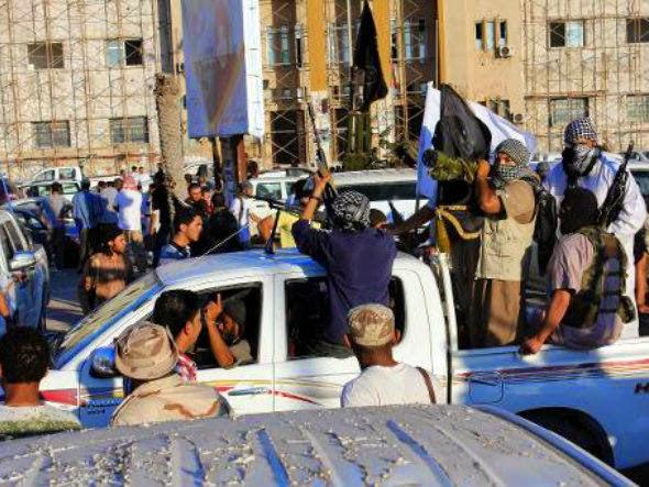 [Imagem: size_590_islamitas-libia%5B1%5D.jpg]