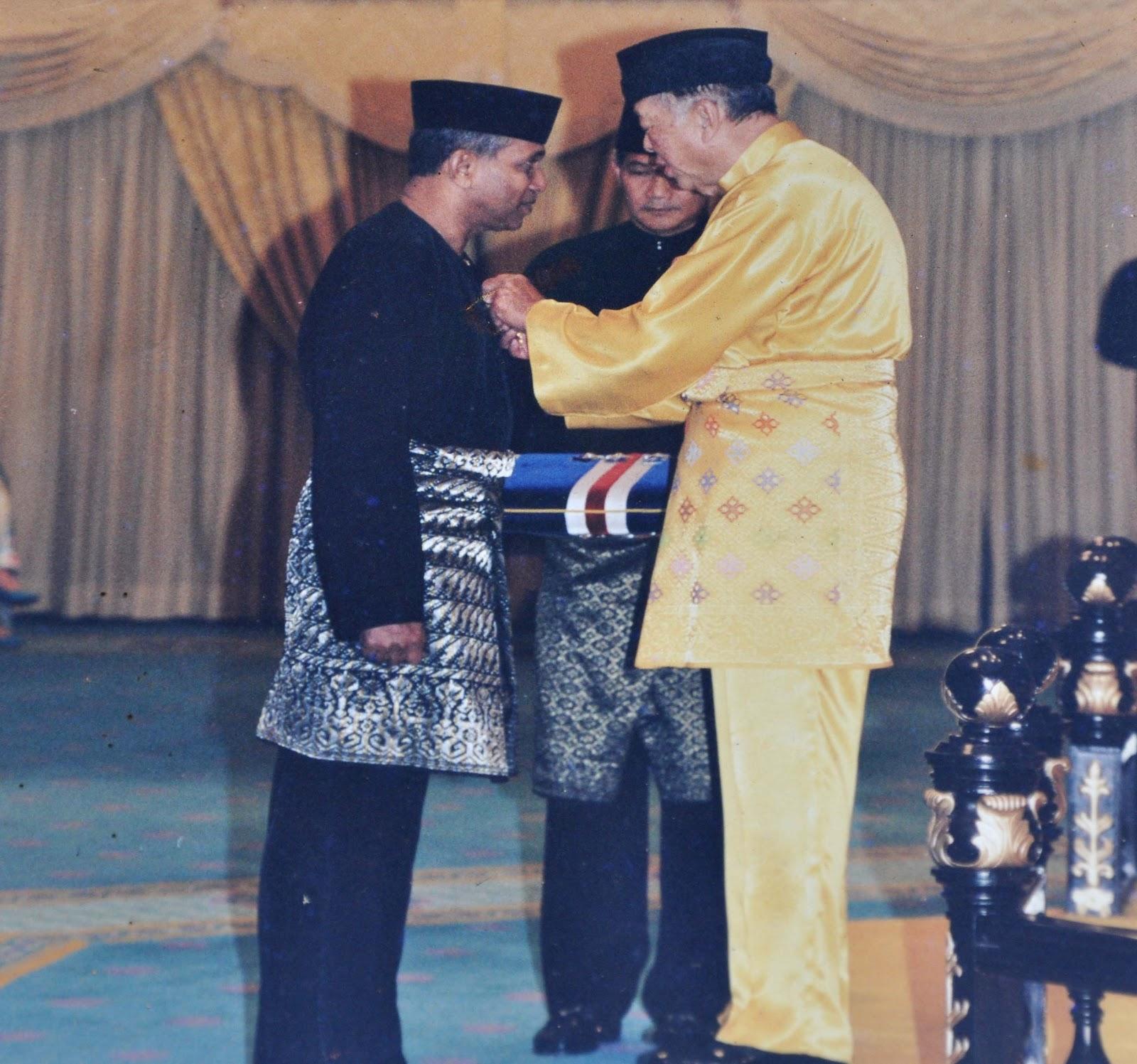 Anugerah Kerajaan Malaysia: Ahli Mangku Negara (1999)