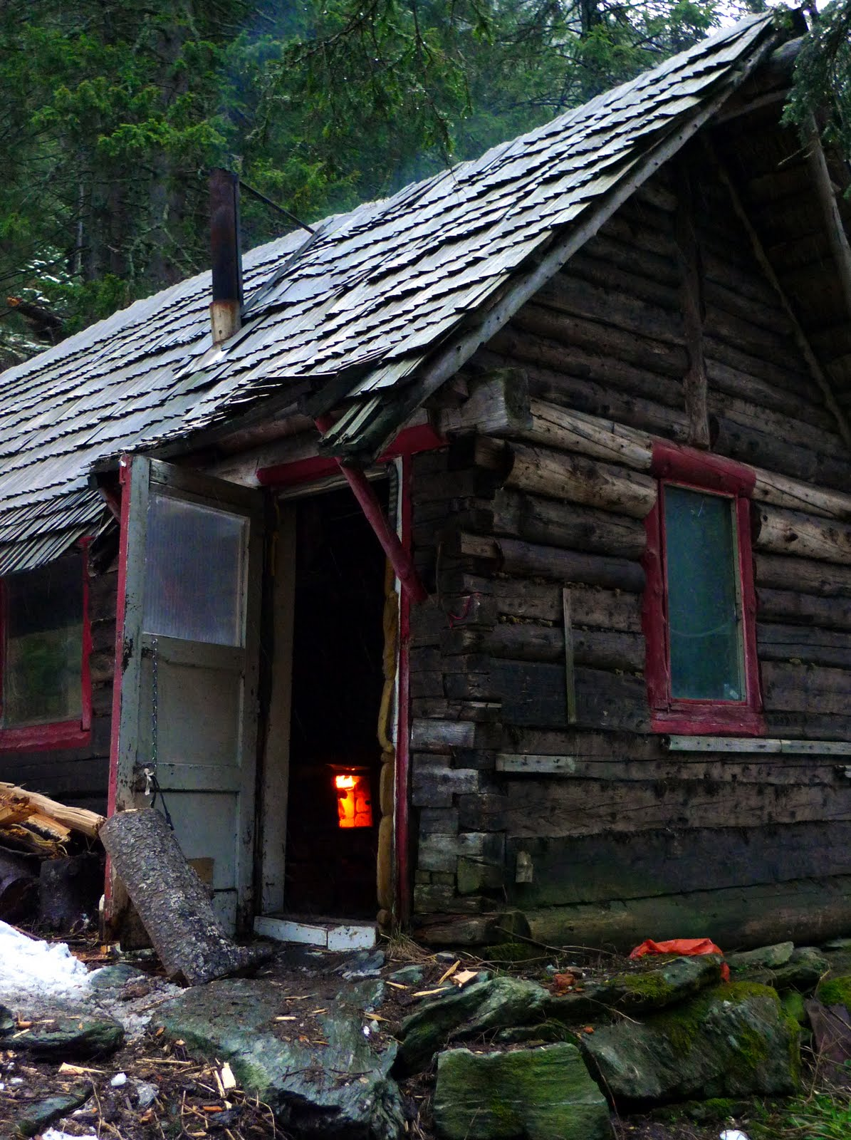 1000 images about cabins log cabins and log homes on for Log cabin gunsmithing