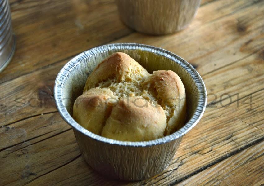 pane all'olio nel barattolo e  mousse di ricotta con olive verdi