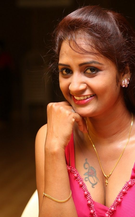 KAVERI ACTRESS TATTOO PICS