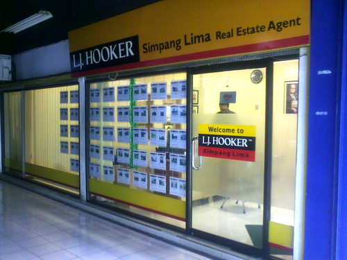 LJ Hooker Simpang Lima