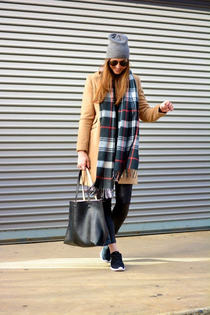 look_outfit_como_combinar_bufamanta_bufanda_oversize_lolalolailoa_03