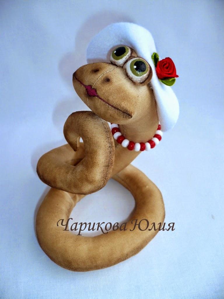 Сделать змею символ года своими руками