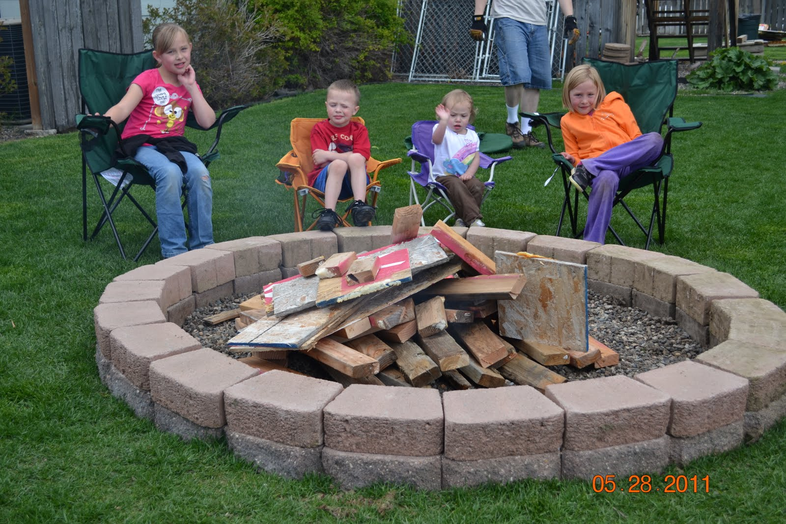 backyard fire pit with wood backyard fire pits diy so
