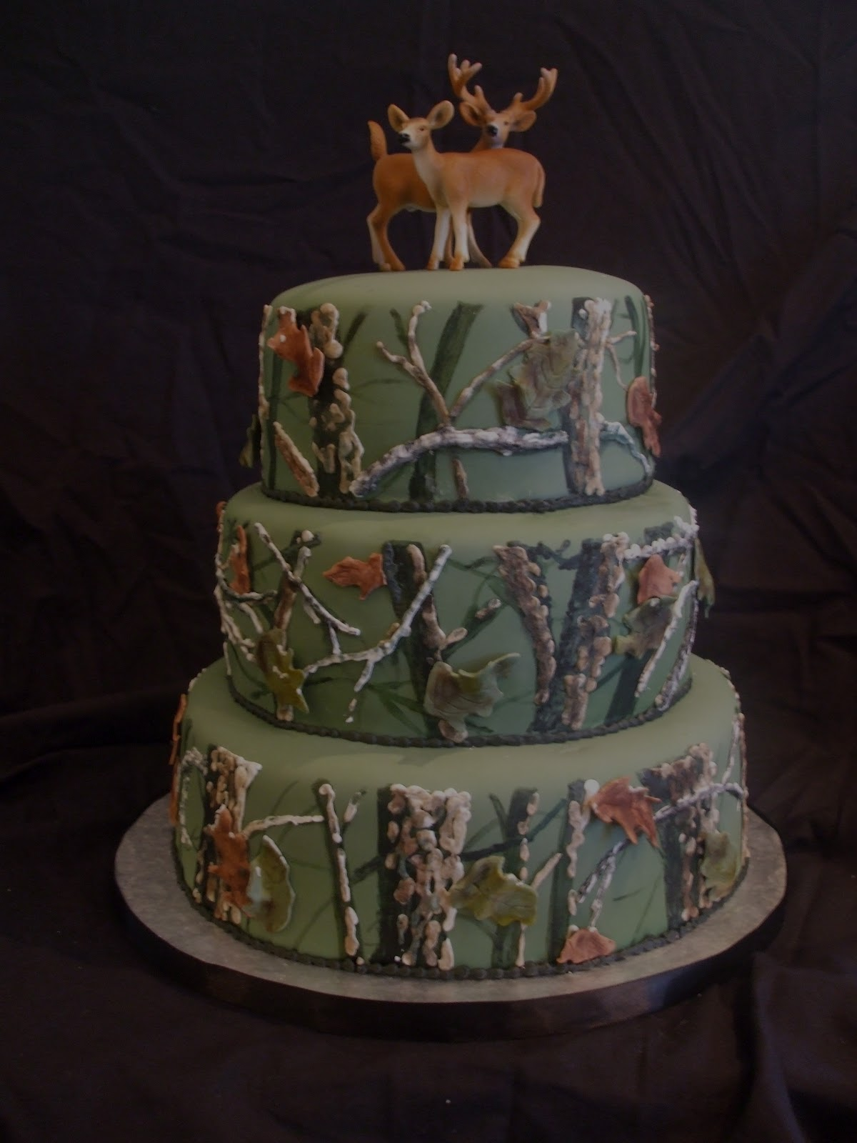 Top 20 Most Viewed Cakes Hunting Groom s Cake