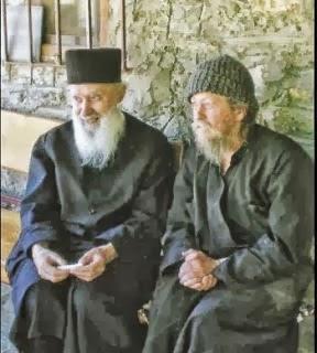 geron-gavriil-eida-ton-siatistis-antonio-na-ton-sinodeyei-i-panagia-ston-ourano