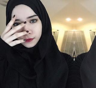 kembar nora danish