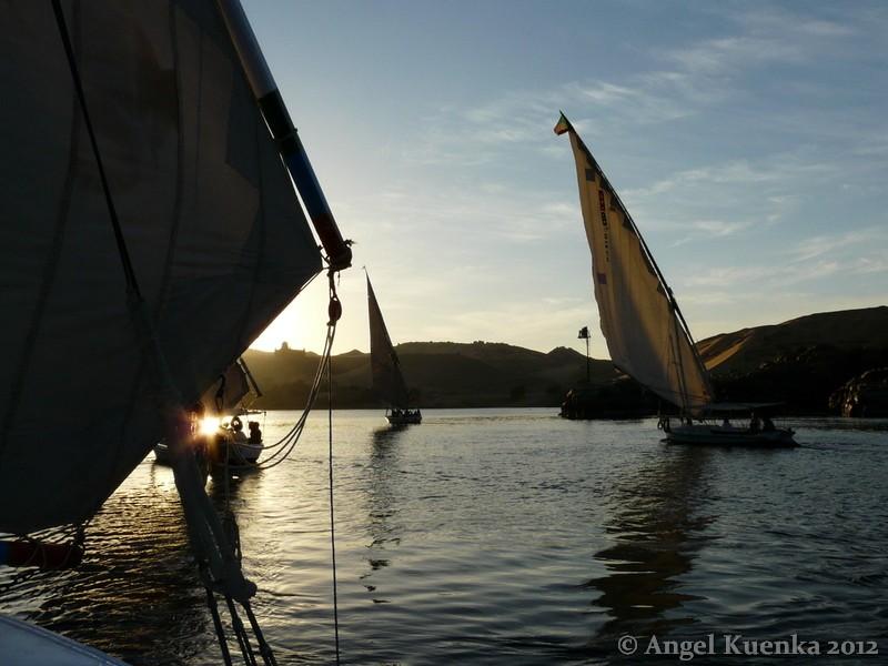 Todo sobre egipto paseo por el nilo for Todo sobre barcos
