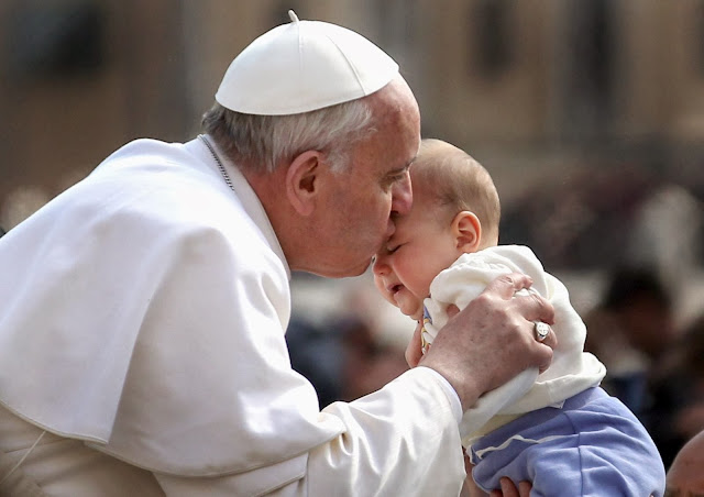 Pope Francis Takes a Stand on Public Breastfeeding and What He Says Will Definitely Surprise You
