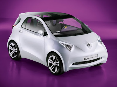 toyota_iq_concept_front_side