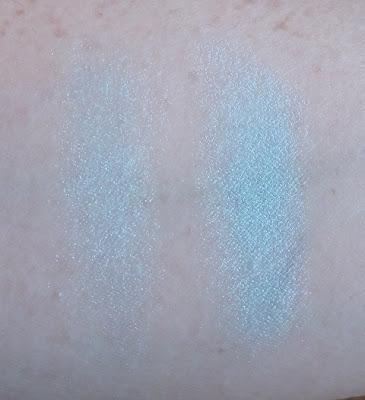 Lise Watier Solo Eyeshadow Bleu Curacao swatch