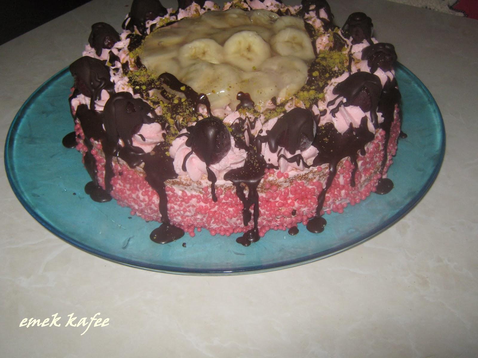 Muzlu Yaş Pasta,pasta,muzlu pasta,kremalı pasta