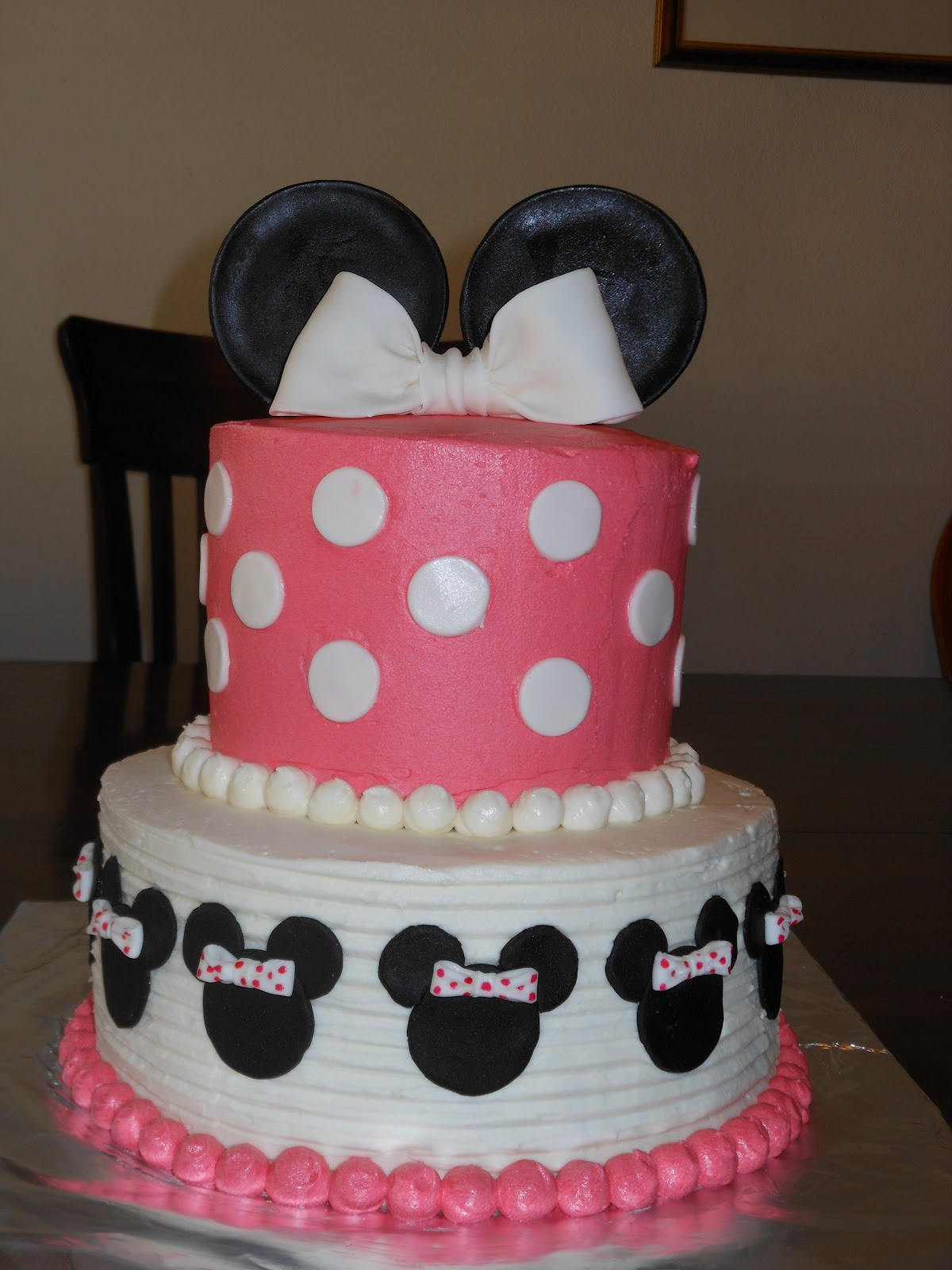 Minnie Mouse Images For Cake : It s a piece of cake: Minnie Mouse Birthday Cake