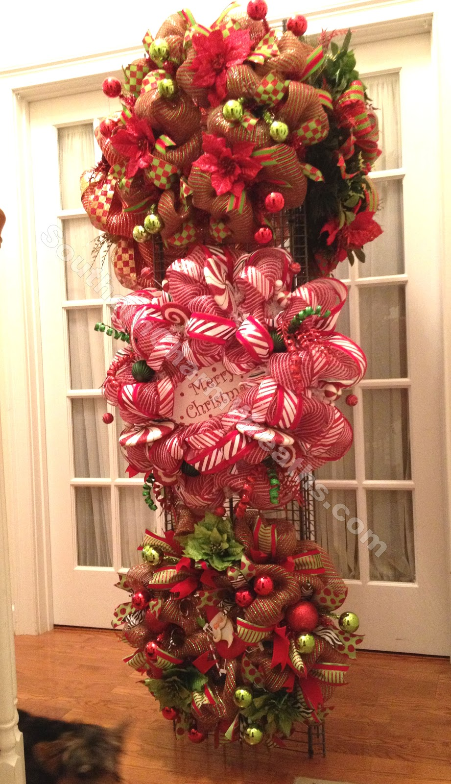 How to make a wreath craft show display or storage Christmas wreath making