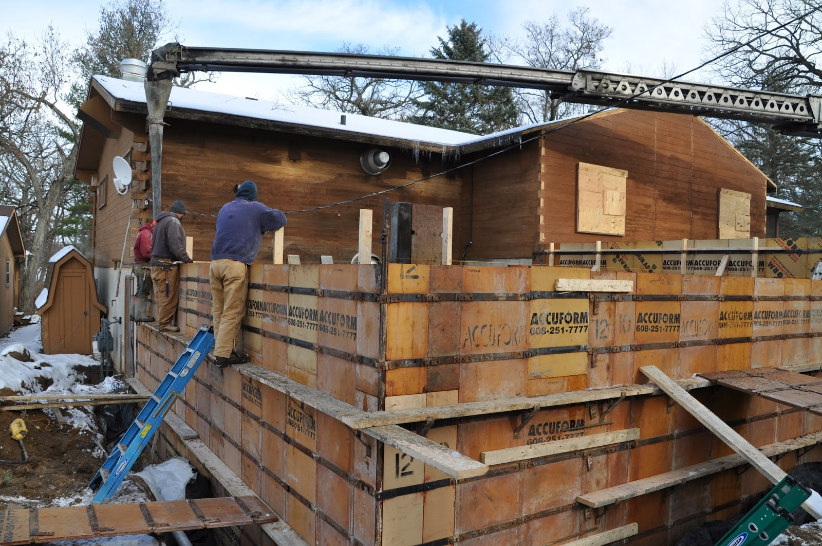 Concrete Wall Construction : House in the wood summer camp and outdoor education center