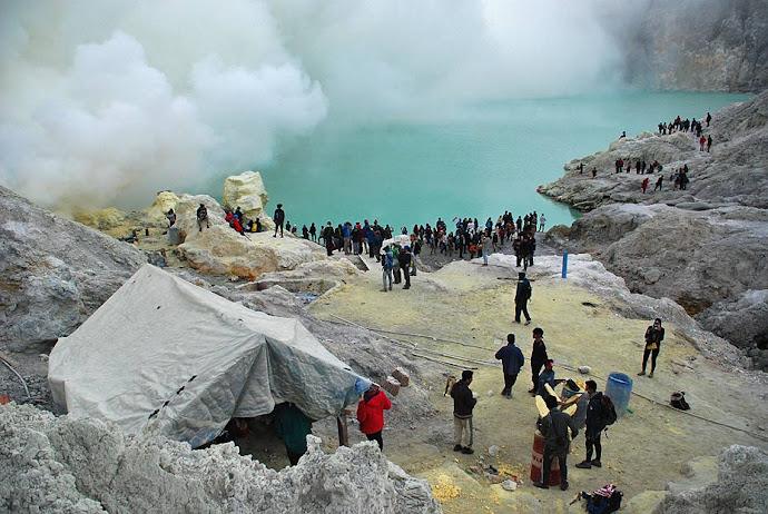 Lago del volcán