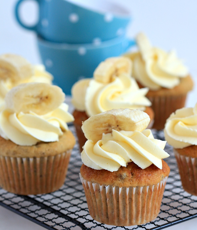 IMAGE: http://1.bp.blogspot.com/-qwizpwLstSg/VQP6yrVrB9I/AAAAAAAALUs/nbe-U0pbYzw/s1600/the-most-fab-banana-cupcakes_9036.jpg