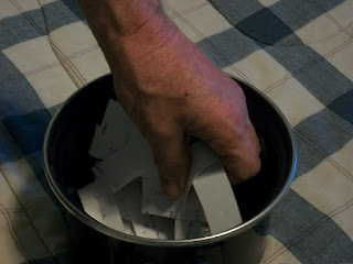 Pot for drawing