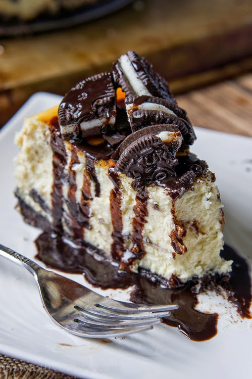 http://looksdelicious.tumblr.com/post/87911899391/oreo-cheesecake