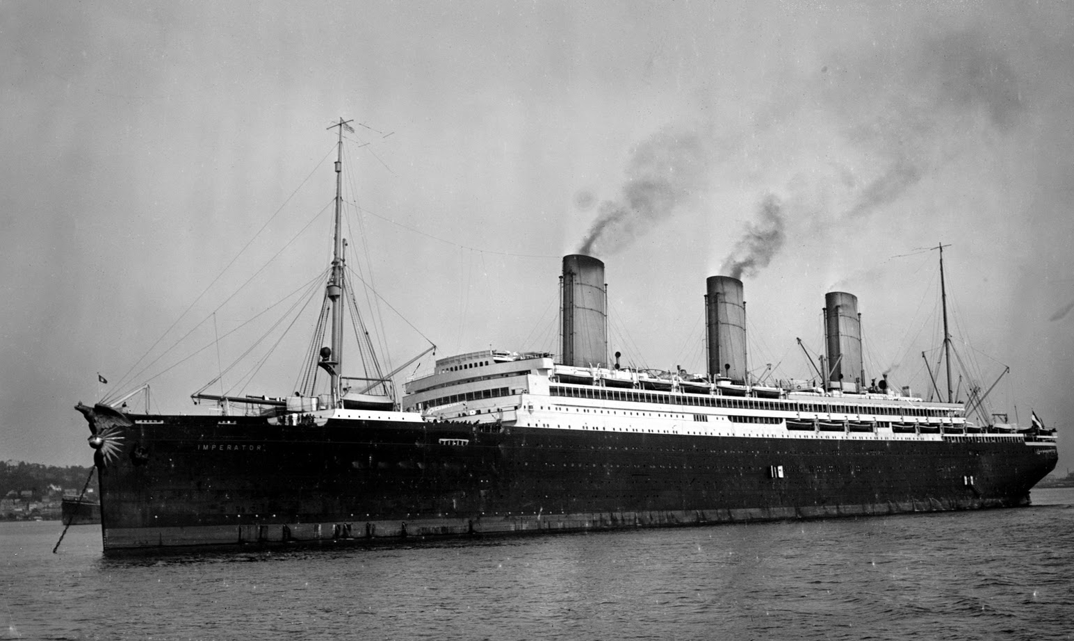 the history and sinking of the titanic The sinking of the titanic is one of the most historical tragedies ever to occur here are the accounts of one of the largest peacetime maritime disasters.