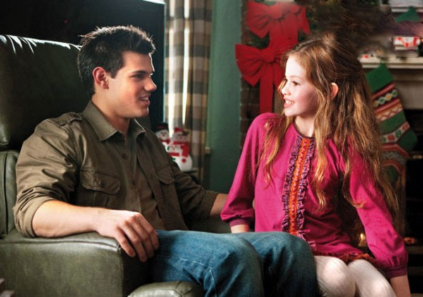Renesmee and Edward at home in The Twilight Saga: Breaking Dawn Part 2 movieloversreviews.blogspot.com