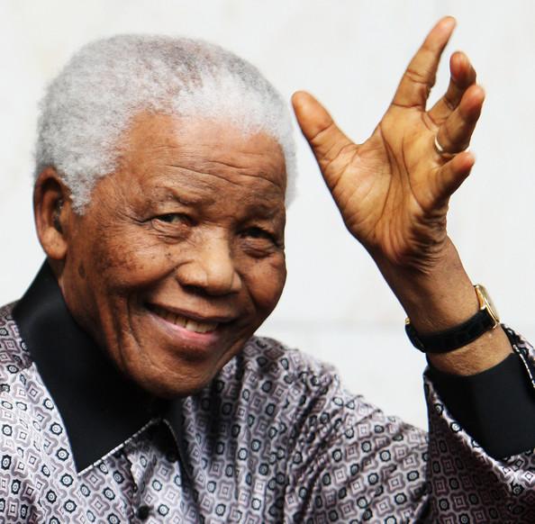 África do Sul: NELSON MANDELA COMEMORA 93º ANIVERSÁRIO