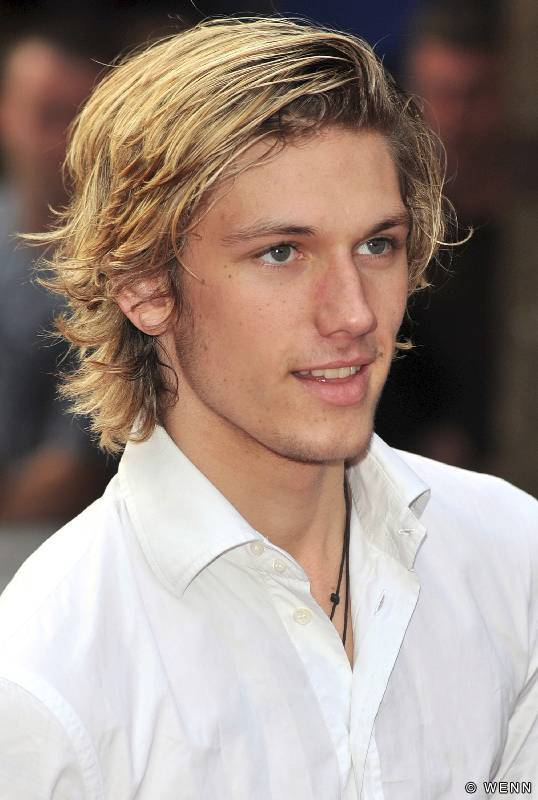 Alex Pettyfer Cool Hot
