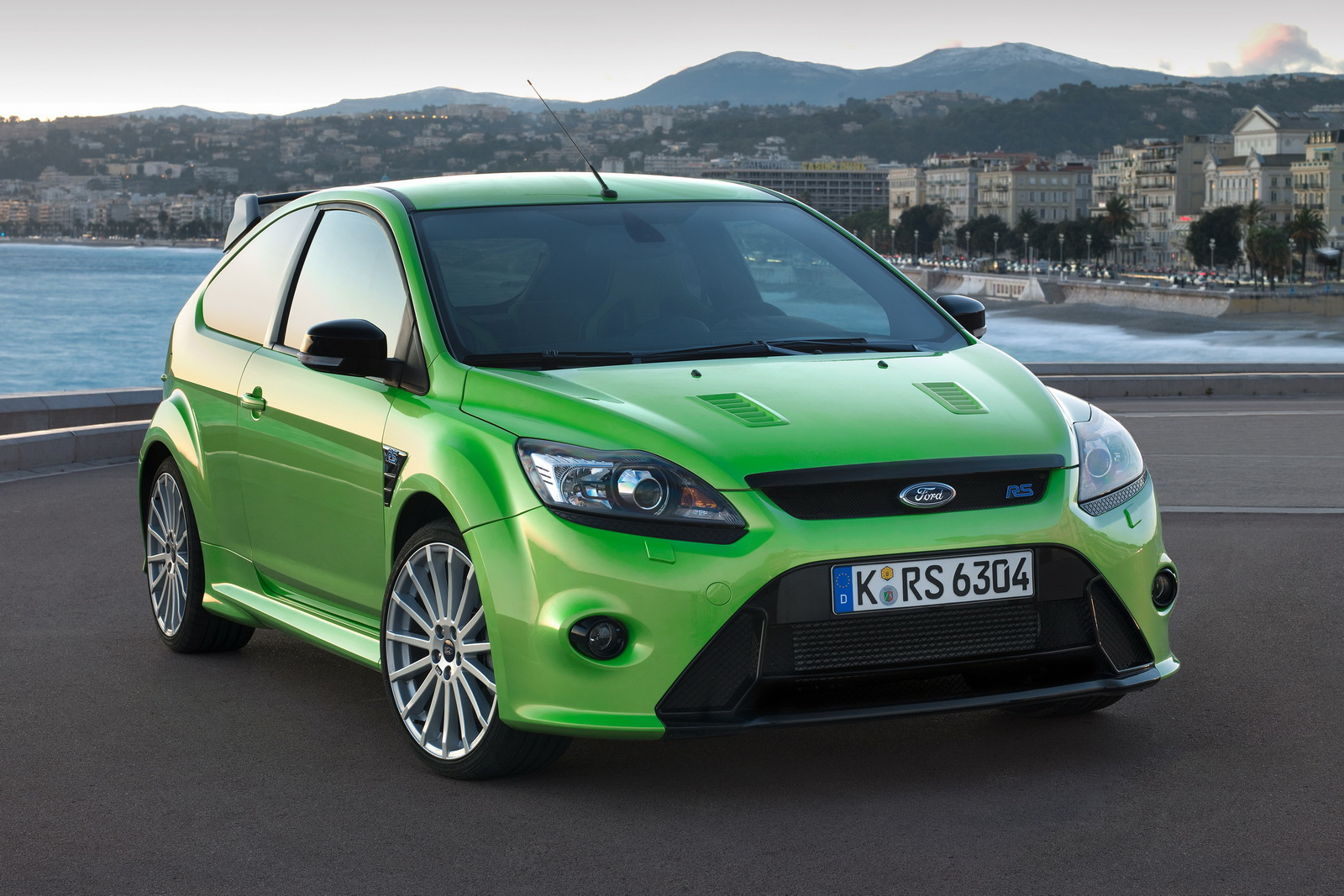 Ford cars ford focus rs publicscrutiny Images