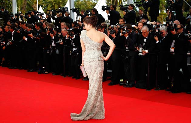Indian-born-Hollywood-actress-Aishwarya-Rai-Bachchan-64th-Cannes-film-festival-May-2011