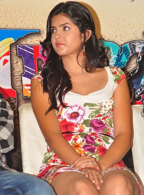 Latest Movies Gallery: DEEKSHA SETH HOT @ RAJAPATTAI PRESS ...