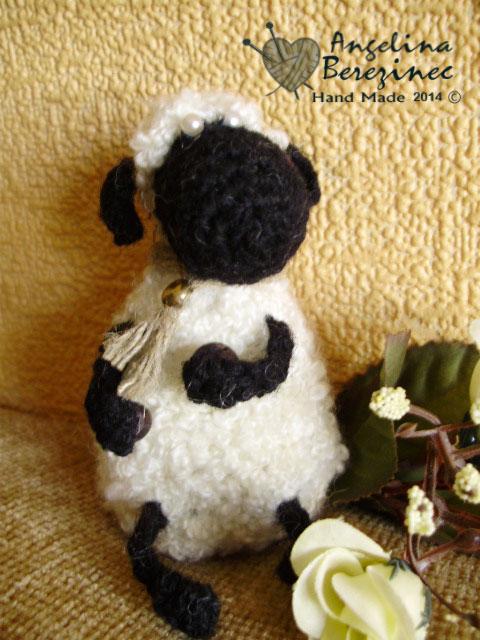 вязаная овечка