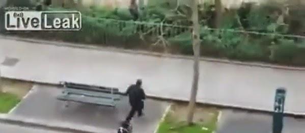 Vídeo da execução do policia em Paris
