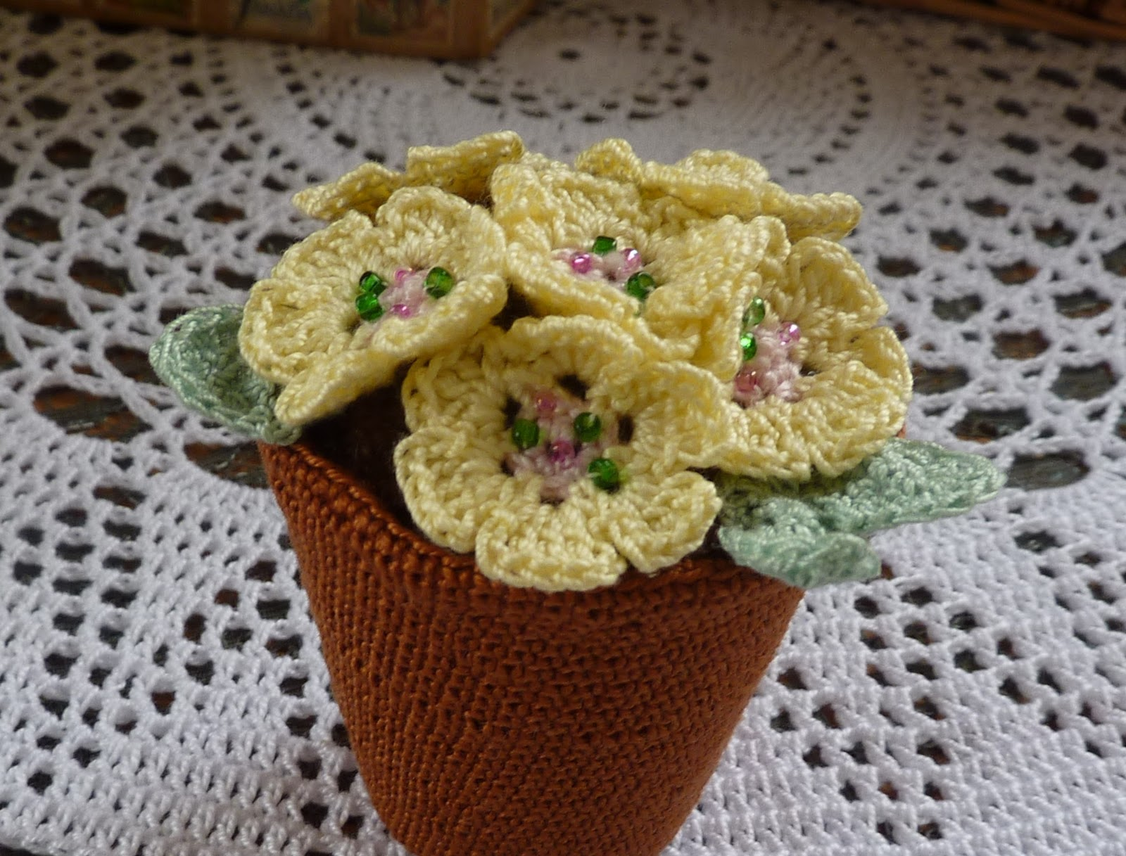 Crochet Flower Pot Pattern Free : Yellow, Pink and Sparkly: Pot of Primroses