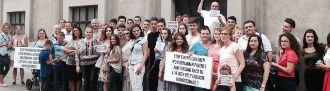 Familia Barbu, susținută din nou de români, într-un protest organizat la Viena