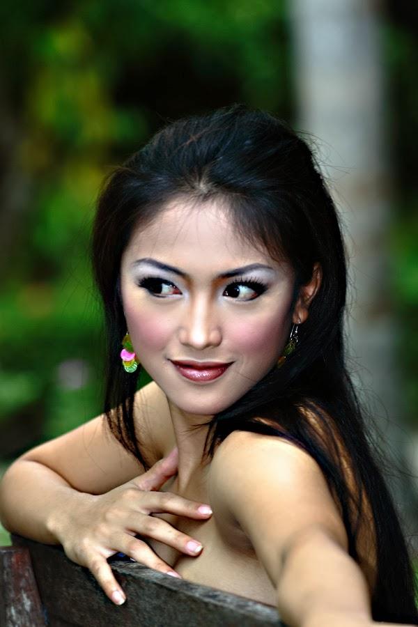 Foto Model Cantik Seksi Indonesia Hot