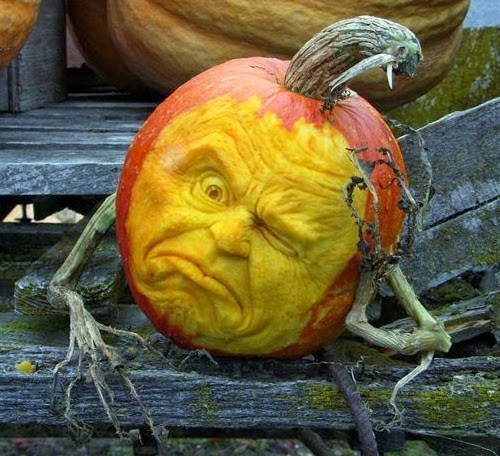 07-Halloween-The-Pumpkins-Villafane-Studios-Ray-Villafane-Sculpting-www-designstack-co