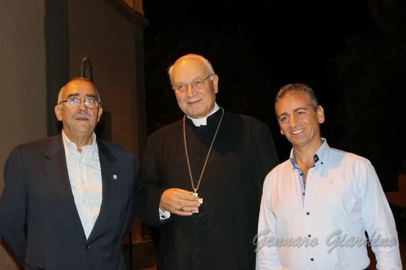 S. Eccellenza Mons. Lino Fumagalli. A Vetralla incontra i portatori della Madonna del Carmelo