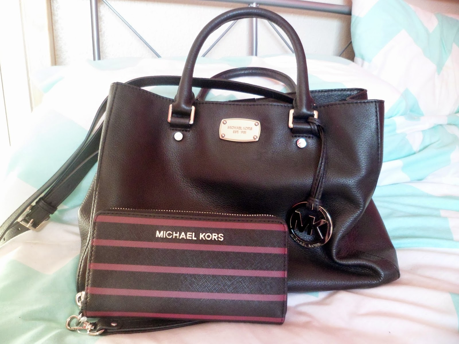 cda74dae45 ... michael kors purses outlet store ...