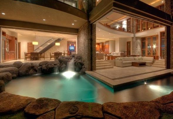 Decora y disena interior de casa de lujo en hawaii - Piscina interior casa ...
